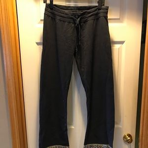 Buckle lounging pants